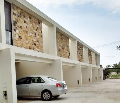 LUJOSO TOWNHOUSE EN PRIVADA MUY CERCA DE CITY CENTER
