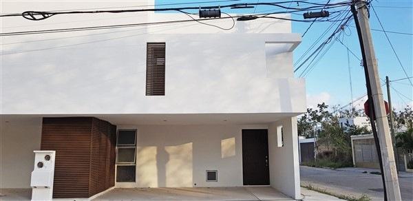 VENTA DE TOWNHOUSES EL PARQUE EN NUEVO YUCATÁN